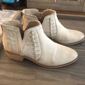 Yuma ankle leather bootie white